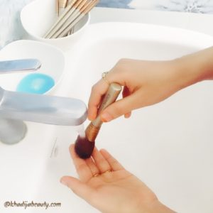 how-to-clean-makeup-brushes-khadija-beauty-khadijabeauty-7