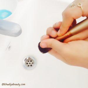 how-to-clean-makeup-brushes-khadija-beauty-khadijabeauty