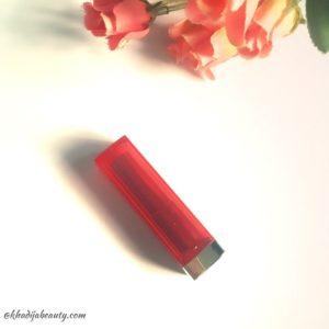 maybelline-vivid-matte-colorsensational-lipstick-vivid-10-review-khadija-beauty-2