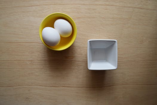 DIY egg peel off mask, khadija beauty