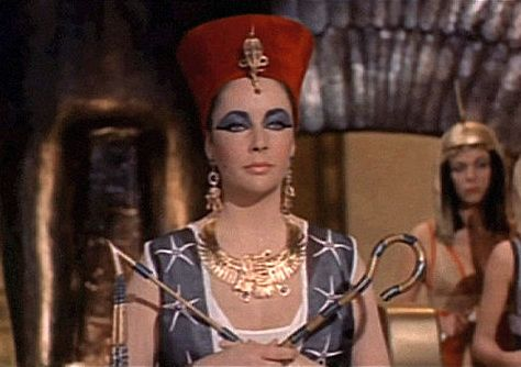 cleopatra makeup look, jewelry