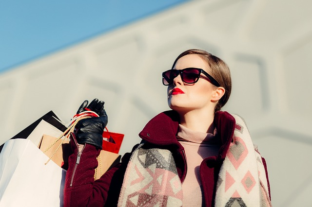 CRUISING THE BIG CITY: 4 COOL STREET-STYLE ACCESSORIES YOU CAN TRY