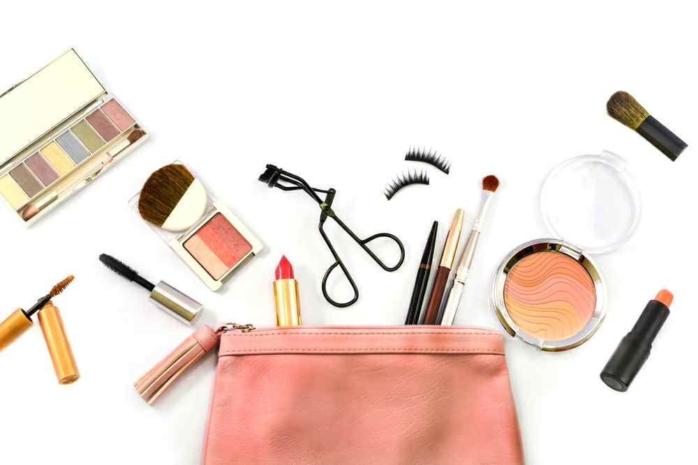 makeup essential for summer