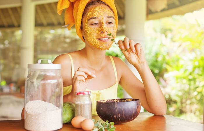 10 Delicious Homemade Fruit face packs for glowing skin