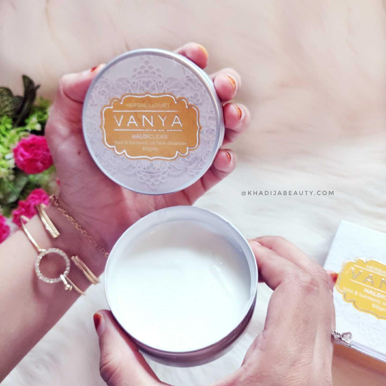 Vanya Haldi clear face cleanser review