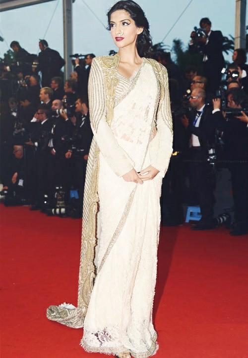 sonam kapoor saree with jacket