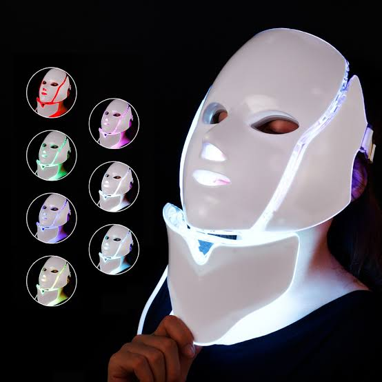 LED Light therapy benefits, Led face mask