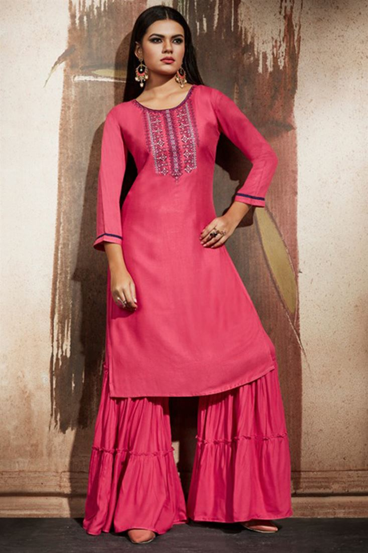 How to Style a Long Kurti With Different Bottom Wear?